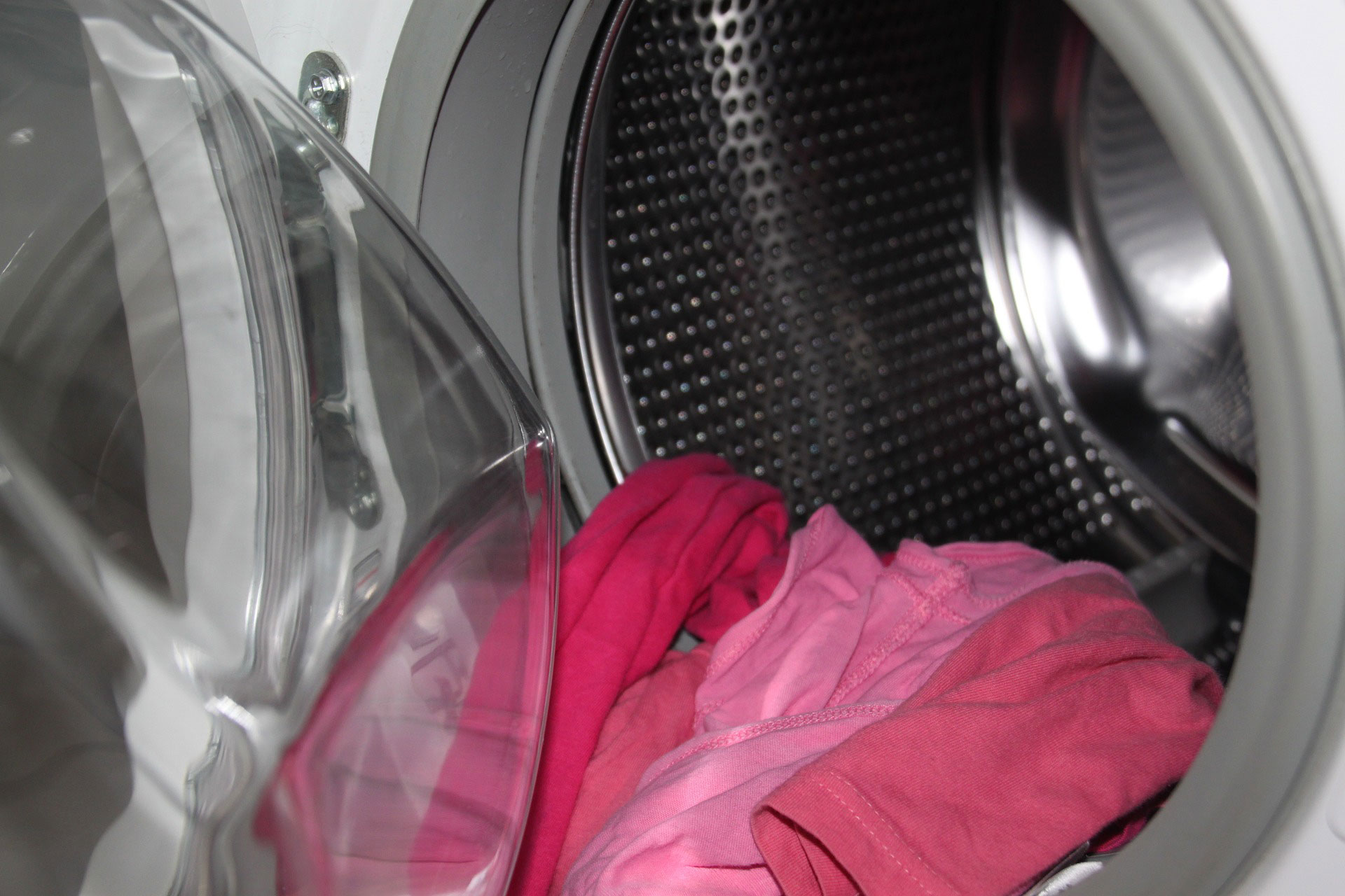 Can washing machine damage clothes
